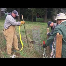 Volunteers fence Habitat home in Silverton